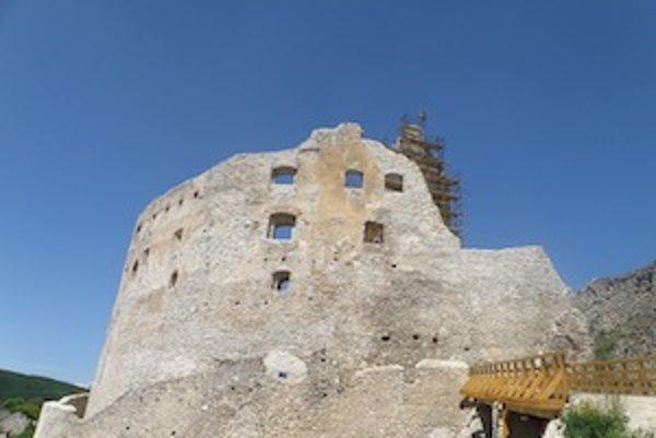 Tento rok sa bude opravovať najmä hradná veža.