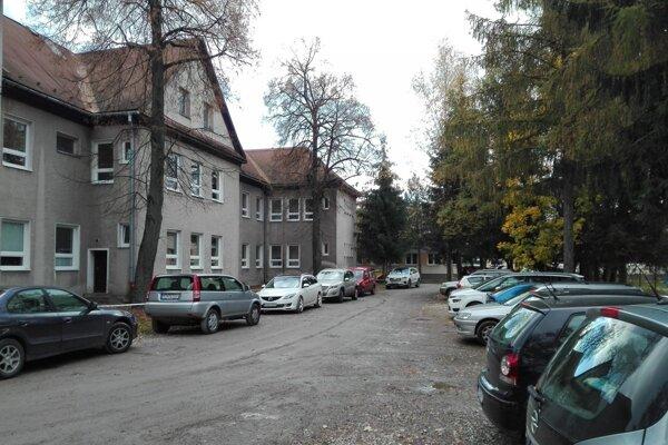 Jedným z väčších projektov mestskej časti Stred v Martine je prebudovanie parkoviska pri ZUŠ.