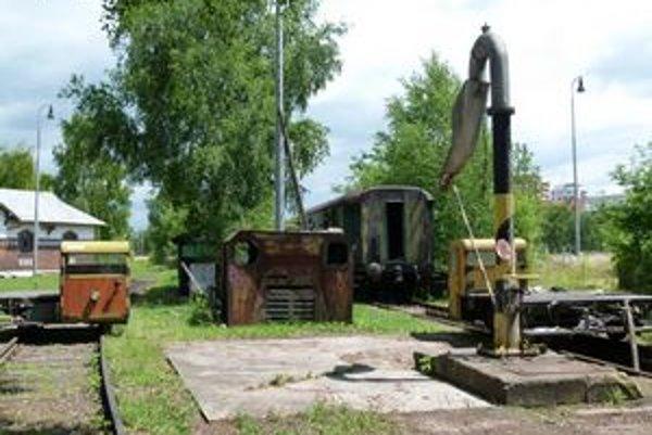 Niektoré historické stroje sú už na svojom mieste.