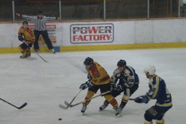 Hokejisti nezvládli druhú tretinu.