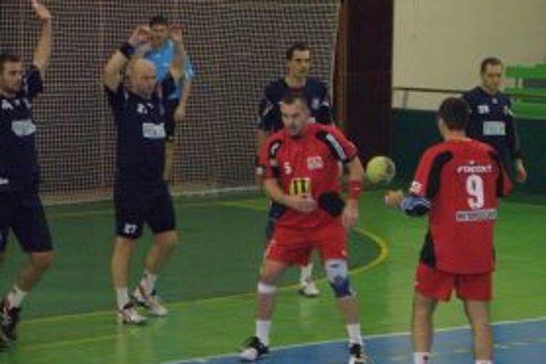 Hádzanári vyhrali v domácom zápase o gól.