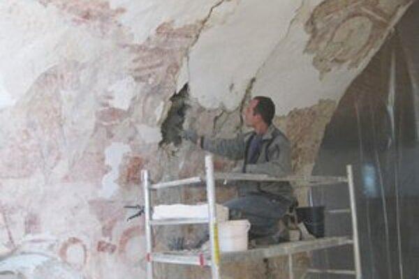 Budúci rok sa reštaurátori zamerajú na najstaršiu stenu.