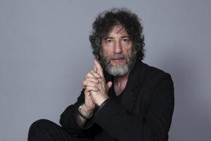 Medzi nominovanými na novú cenu je aj Neil Gaiman.
