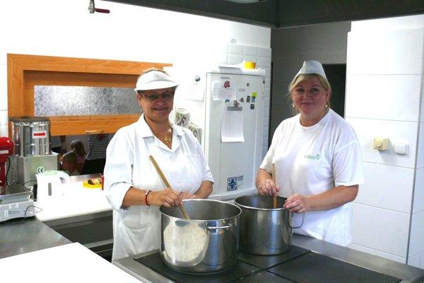 Kuchyňa vMaterskej škole na Hviezdoslavovej ulici vMartine sa poriadne vynovila. Aj pani kuchárky sú spokojné.
