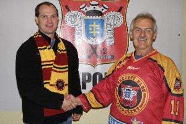 Miroslav Kimijan (vpravo) spoločne s generálnym manažérom Radoslavom Heclom.
