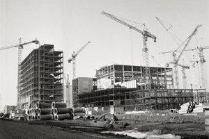 11. február 1988. Pohľady na výstavbu jadrovej elektrárne.