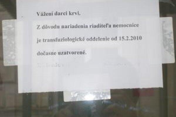 Darcovia odchádzajú z transfúzneho oddelenia znechutení.