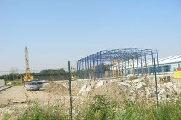 Výstavba dotrieďovacieho dvora by sa mala skončiť v októbri.