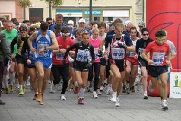 Na štarte Topoľčianskeho polmaratónu.