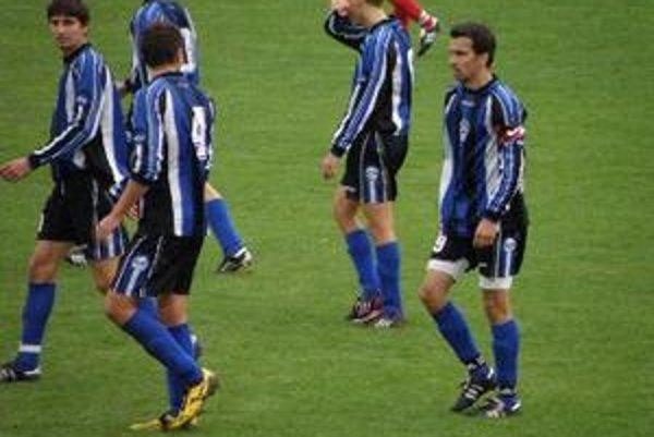 Solčianski futbalisti sa pripravujú pod vedením Antona Hippíka.