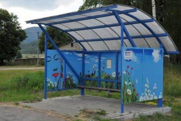Na autobus sa už v Turanoch čaká oveľa príjemnejšie.