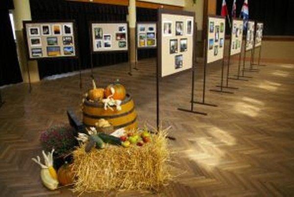 Výstava fotografií v Belej.