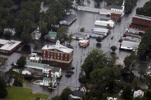 Hurikán môže spôsobiť rozsiahle záplavy.