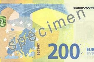 Na nových bankovkách sa nachádza aj zdokonalené smaragdové číslo.