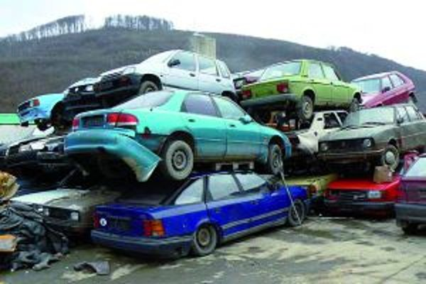 Ojazdené vozidlá sú dnes druhotnou surovinou.