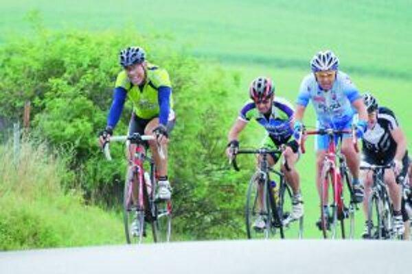 Ak si cyklisti budú chcieť dať niekde pauzu, pivo a ani poldeci si počas nej dať nemôžu.