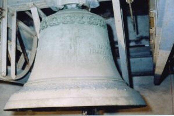 Aj na zvone v kostole sv. Martina nájdeme okrem ornamentov špecifické texty.