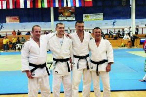 Úspešná výprava, zľava: Martin Bielák, Mikuláš Maník, Robert Maruna, Vladimír Homola.
