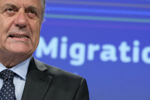 Eurokomisár pre migráciu, vnútorné záležitosti a občianstvo Dimitris Avramopulos.