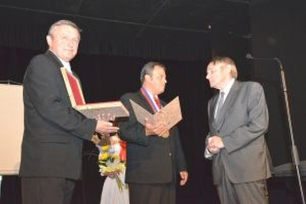 Medzi ocenenými občanami bol aj bývalý starosta obce Vladimír Šišan.