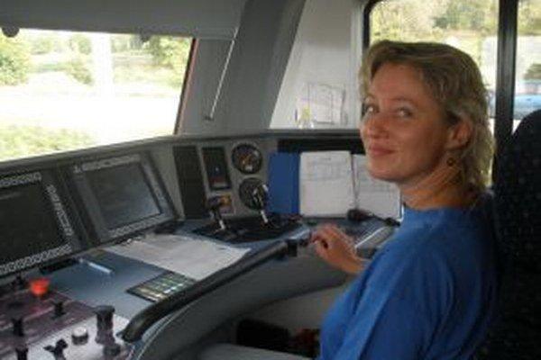 Rušňovodička Dana Mičencová si každú jazdu vlakom užívala.