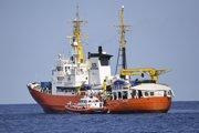 Talianske prístavy odmietajú Aquarius od júna.