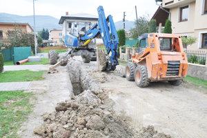 Na kanalizáciu sa napoja ďalšie domy.