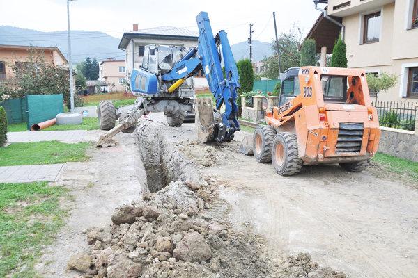 Minister životného prostrdia apeloval na samosprývy, aby využívali možnosti na získanie dotácií na budovanie kanalizačnej a vodovodnej siete.
