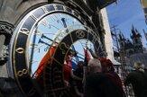 Na Staromestské námestie sa vracia zreštaurovaný orloj