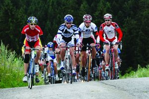 Cyklisti sa môžu vyviezť cyklobusom.