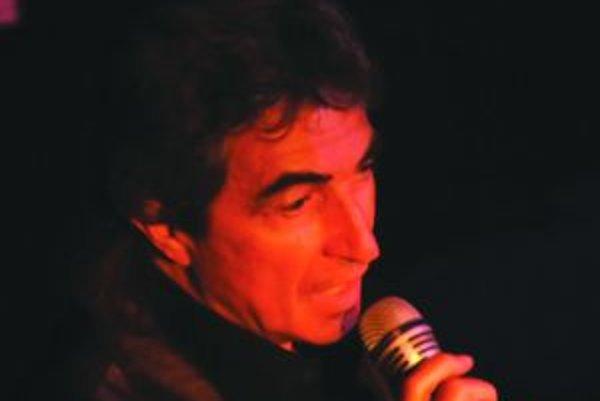 Jiří Štedroň zaspieva na septembrovom kole Turčianskej Šlágerbomby.