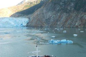 Na Aljaške sa plavila aj k ľadovcu Sawyer.