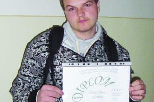 Lukáš DrgoňV školskom kole obsadil druhé miesto spoločne s Miroslavom Burínom. Na krajskej súťaži obaja dokázali, že sú veľmi zruční.