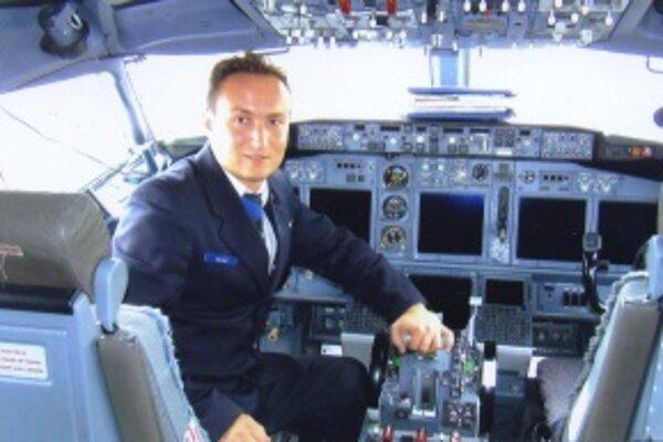 Martinčan Michal Vereš trávi čas v lietadle nad celou Európou. Vianoce prežije na zemi.