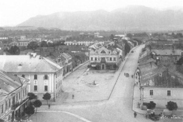 Starý Martin v medzivojnovom období. Podľa vládnych predstaviteľov nebolo mesto dosť reprezentatívne a považovali ho skôr za dedinu.