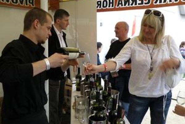 Do Martina prišli na vínny festival amatérski i profesionálni degustátori vína.