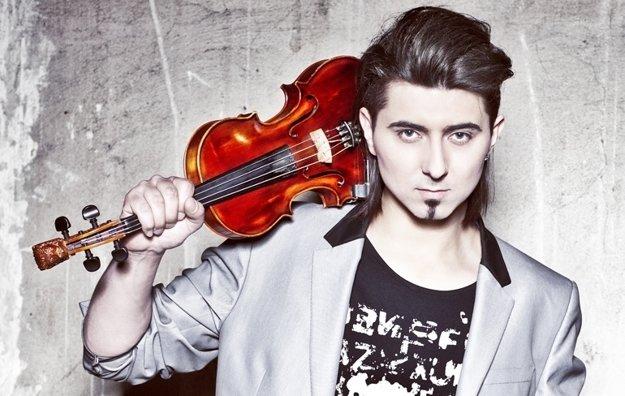 Huslista Adam Baldych sa s kapelou predstaví aj na koncerte v Košiciach.