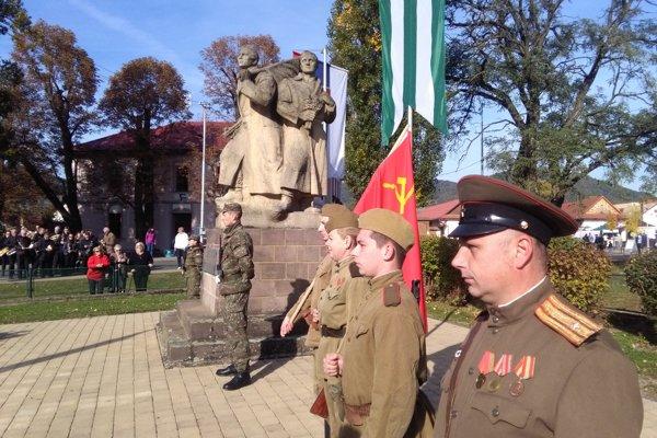 Partizánska prehliadka v Detve.