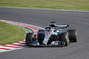Lewis Hamilton predviedol ďalší dominantný výkon.