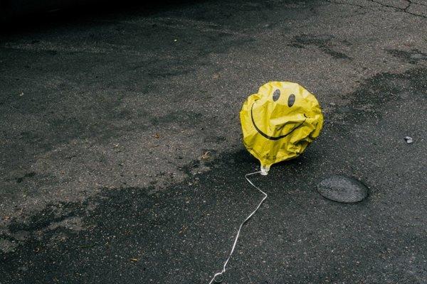 Výskumná spoločnosť Gallup vydala správu o celosvetových emóciách.