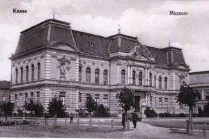 Budova Hornouhorského múzea v Košiciach.