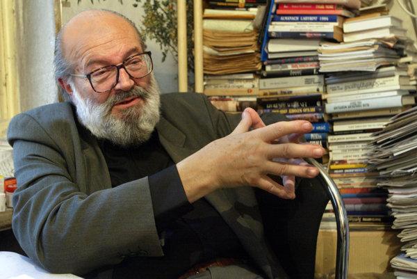 Kornel Földvári.