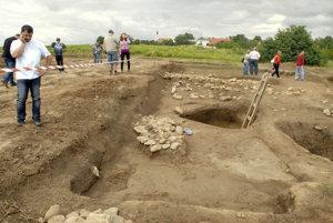 Na kopci pri Várhegy pri Nižnej Myšli preskúmali za takmer 40 rokov približne tretinu archeologických lokalít.
