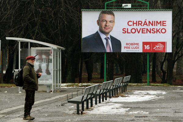 Bilbordová kampaň politickej strany SMER Chránime Slovensko.