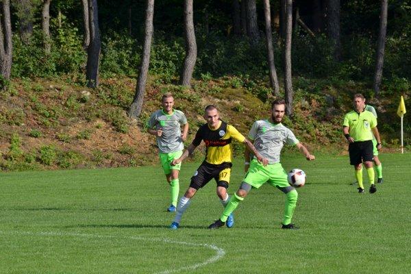 O dva góly sa postaral T. Revúcky (v strede). FOTO: PP