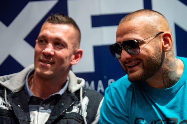 Patrik Rytmus Vrbovský (vpravo) s trénerom Tomim Kidom Kovácsom.