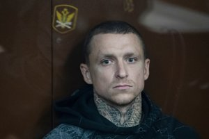 Jeden z obvinených, Pavel Mamajev, na súde v Moskve.
