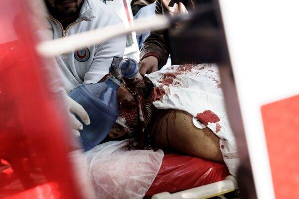Zranených previezli do nemocnice v tureckom meste Kilis.