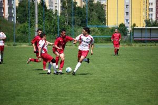 Futbalisti Domaniže (v bielom) remizovali v Nitre.