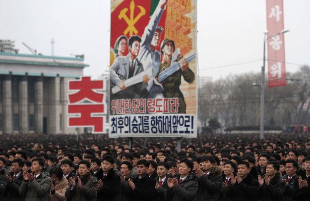 Test rakety bol kľúčovou udalosťou pre severokórejskú propagandu. Po celej krajine sa konali hromadné oslavy.